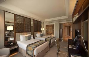 Club Twin Room With Burj View