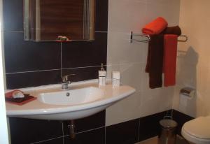 Mellieha Centre 2 bedroom, Apartmány  Mellieħa - big - 6