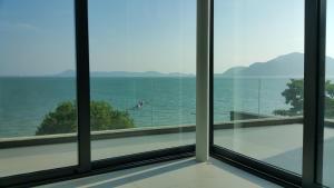 Eva Phuket Beachfront Villa 5