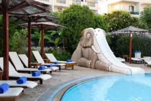 Peldbaseins Peridis Family Resort