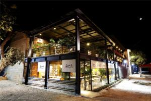 Review Over the Mountain Hostel
