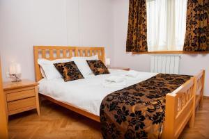 Villa Romantika, Apartmány  Zlatibor - big - 51