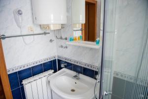 Villa Romantika, Apartmány  Zlatibor - big - 48