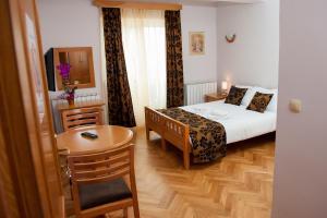 Villa Romantika, Apartmány  Zlatibor - big - 45
