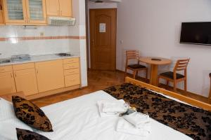 Villa Romantika, Apartmány  Zlatibor - big - 41
