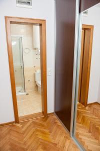 Villa Romantika, Apartmány  Zlatibor - big - 95