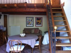 Aux 2 Maisons, Prázdninové domy  Mouriès - big - 5