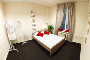 (Swiss Hostel)
