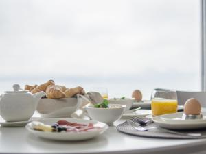BnB Le Haut des Vignes, Bed and Breakfasts  Lutry - big - 32
