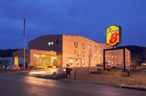 obrázek - Super 8 Durango