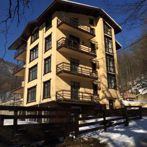 Apartment 128