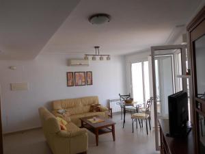 Coming Home - Penthouses La Torre Golf Resort, Apartmanok  Roldán - big - 33
