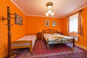 Pension Nostalgie, Guest houses  Český Krumlov - big - 9