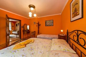 Pension Nostalgie, Guest houses  Český Krumlov - big - 8