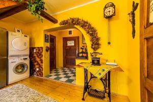 Pension Nostalgie, Guest houses  Český Krumlov - big - 44