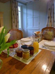 Chambres d'Hôtes La Pommetier, Bed & Breakfasts  Arromanches-les-Bains - big - 36