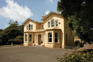 Knockeven House