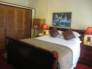 Captain Cook Apartments