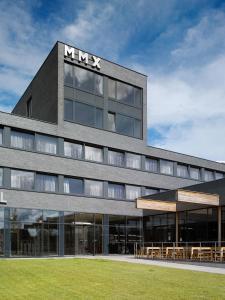 Pivotel MMX