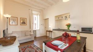 Monti Colosseo Apartment