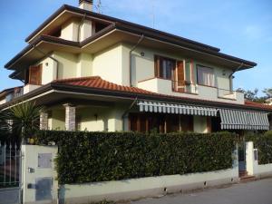 La villa di Giovanna, Holiday homes  Torre del Lago Puccini - big - 1