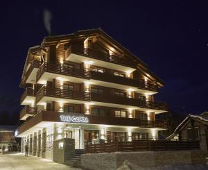 薩斯費卡普拉酒店