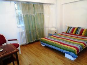 Bloc Colonadelor, Hostels  Bukarest - big - 9