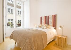 Rent4Days Chiado 69 Apartments