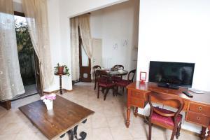 Appartamento Con Giardino, Apartmány  Florencia - big - 14