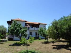 Bozelia Apartments