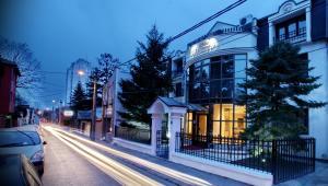 Белград - Garni Hotel Vozarev