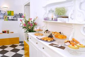 B&B Garibaldi 61, Bed and Breakfasts  Agrigento - big - 67