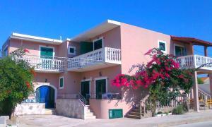Apartments Tomi Sucuraj
