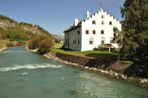 Chesa Staila Hotel - B&B, Bed and Breakfasts  La Punt-Chamues-ch - big - 45