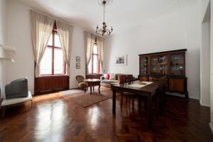 Kadar Apartments(Budapest)