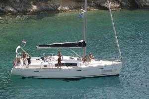 Boat in Komolac (12 metres)