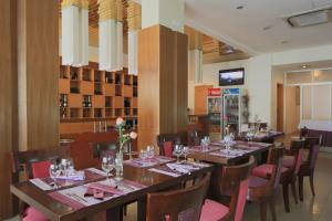 Roma Ritz Huambo