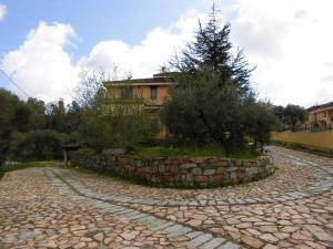 Villa Lucheria, Дома для отпуска  Loceri - big - 18