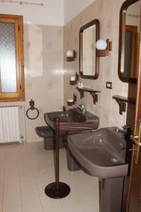 House in Caramagna, Apartments  Imperia - big - 12
