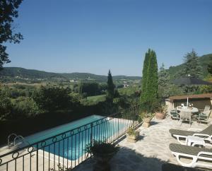 Les Milandes, Case vacanze  Envaux - big - 3