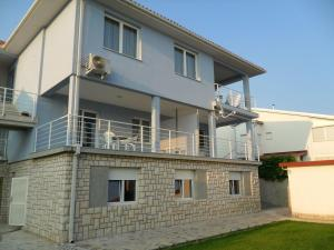 Apartments Milivojac