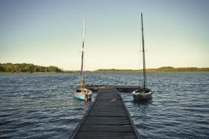 Lake House Listomie