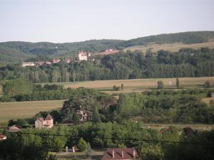 Les Milandes, Case vacanze  Envaux - big - 9
