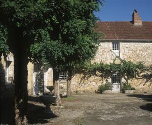 Les Milandes, Case vacanze  Envaux - big - 11