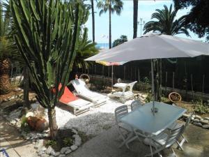 The Private Garden of the Promenade
