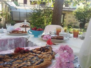 Casa Simonetti, Bed and Breakfasts  Torre del Lago Puccini - big - 24