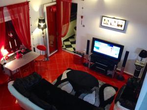 Red Duplex