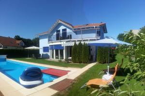 House with Pool, Whirlpool and Sauna
