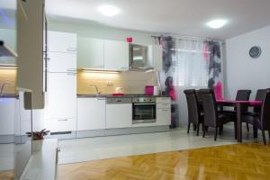 Apartment Tonino, Ferienwohnungen  Trogir - big - 8