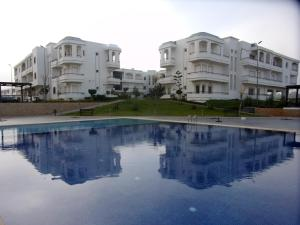 Appartement Bahia Golf Beach, Бузника
